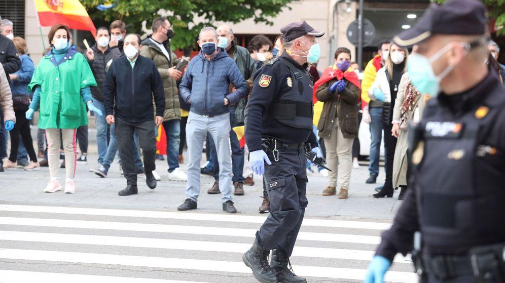 Foto: Unos 300 manifestantes concentrados el pasado día 15 en una marcha contra el Gobierno en el centro de Salamanca. (EFE)