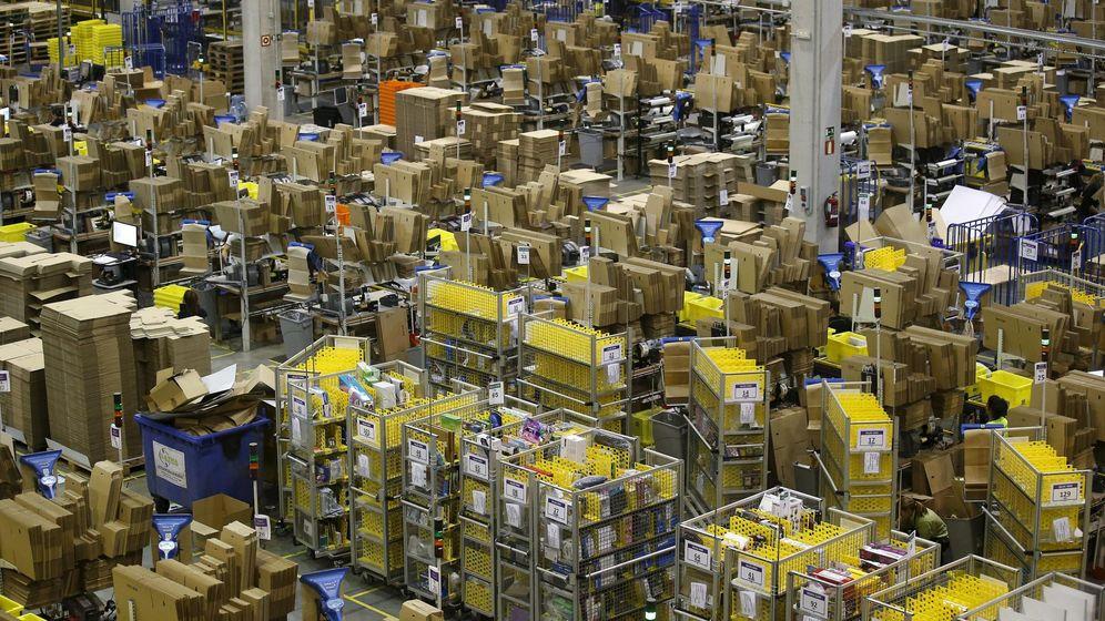 Foto: Centro logístico de Amazon en Madrid. (Reuters)