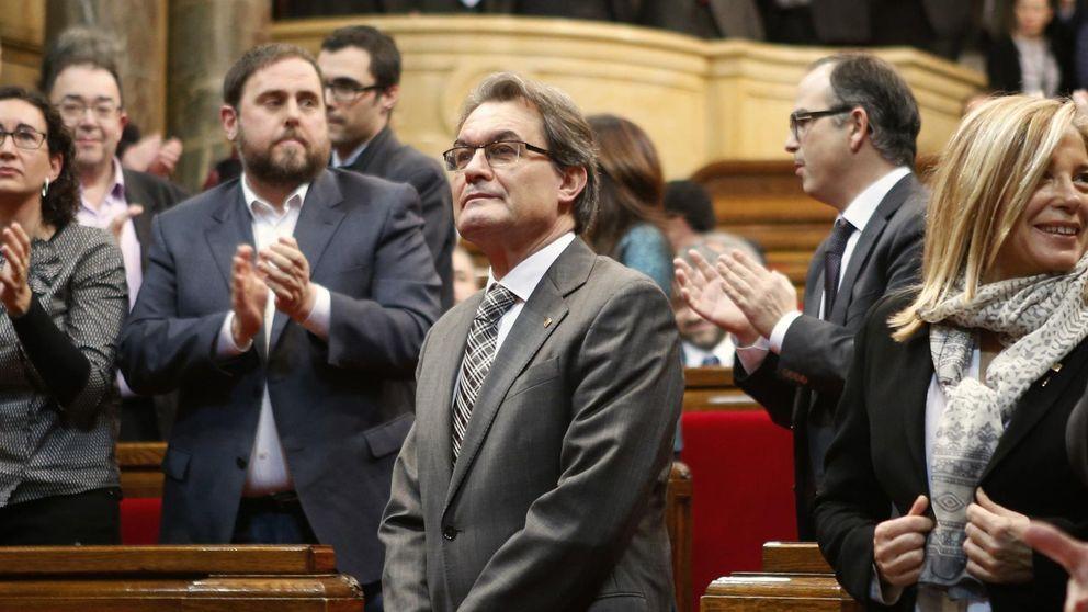 Manos Limpias se querella contra  Mas por desobediencia y sedición
