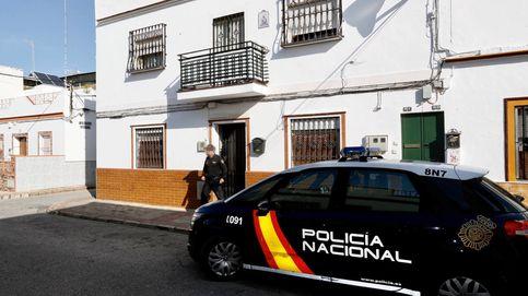 Muere tras un tiroteo junto a una comisaría de Policía de Sevilla