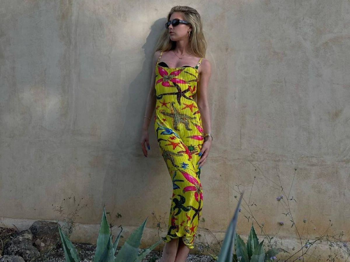 Foto: La danesa Emili Sindlev, con un vestido de Versace. (Instagram @emilisindlev)