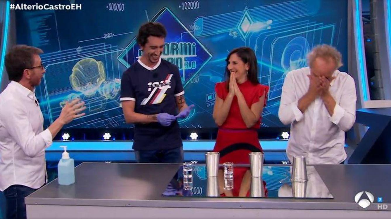 Insólito: Gonzalo de Castro destroza en directo el truco de magia de Marron en 'El hormiguero'