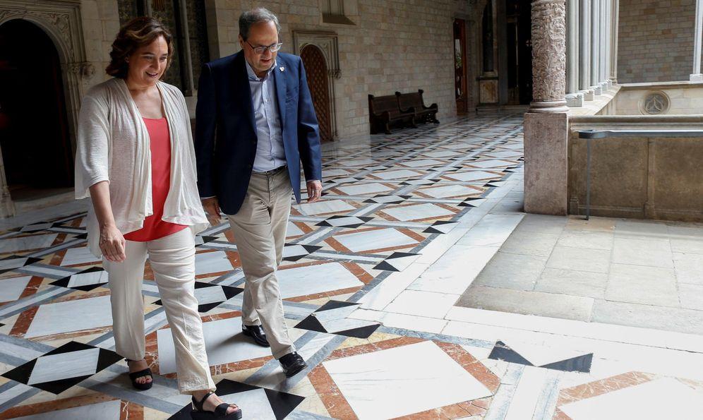 Foto: Quim Torra, junto a Ada Colau. (EFE)