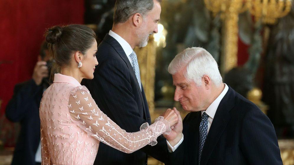 Foto: El duque de Alba, saludando a la Reina. (EFE)