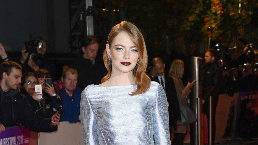 Foto: Emma Stone, en el Festival de Cine de Londres, con un vestido plata. (Getty Images)