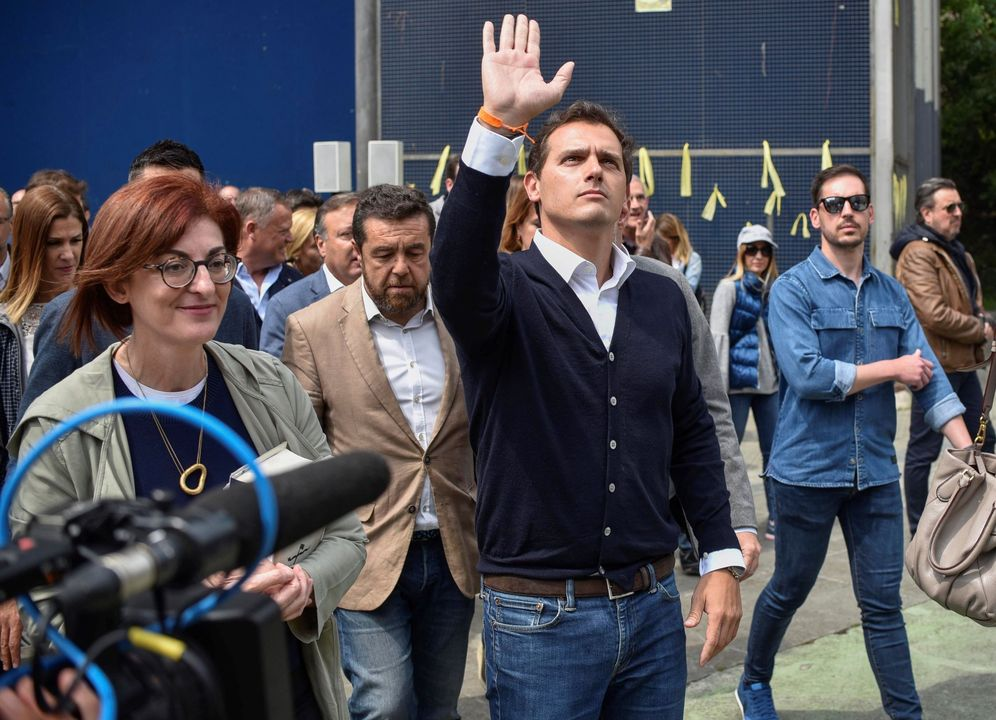 Foto: Rivera a su llegada hoy a Miravalles. (EFE)