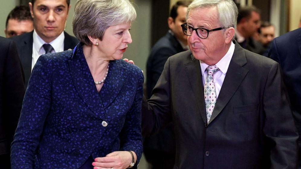 Foto: Theresa May y Jean-Claude Juncker. (EFE)
