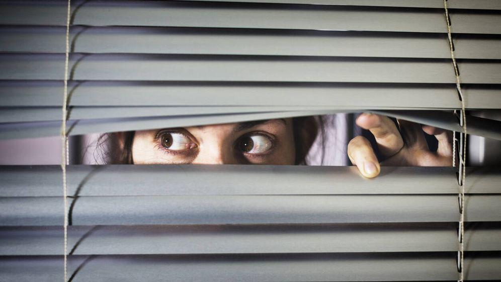 Foto: Tenemos un vecino moroso que siempre paga cuando le vamos a denunciar. (iStock)