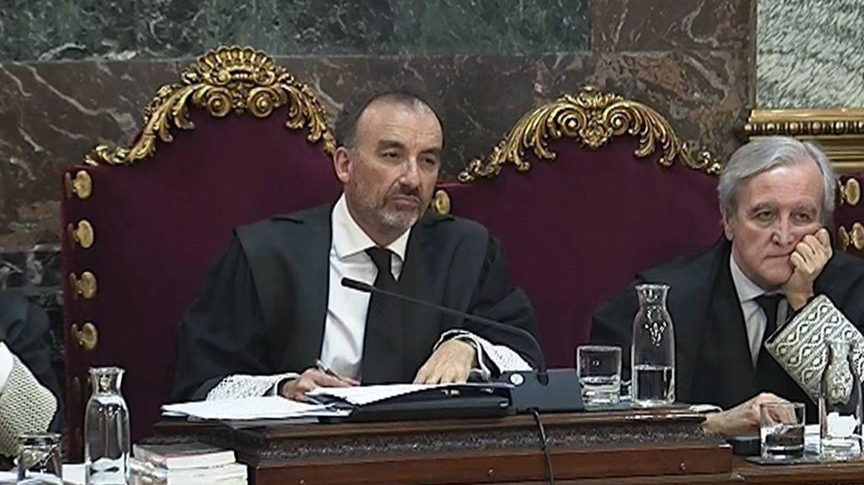 El presidente del Tribunal Supremo, Manuel Marchena, en el centro. (EFE)