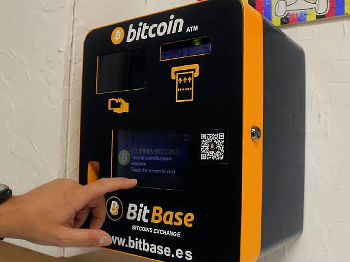 Foto: Un cajero de criptomonedas. (BitBase)