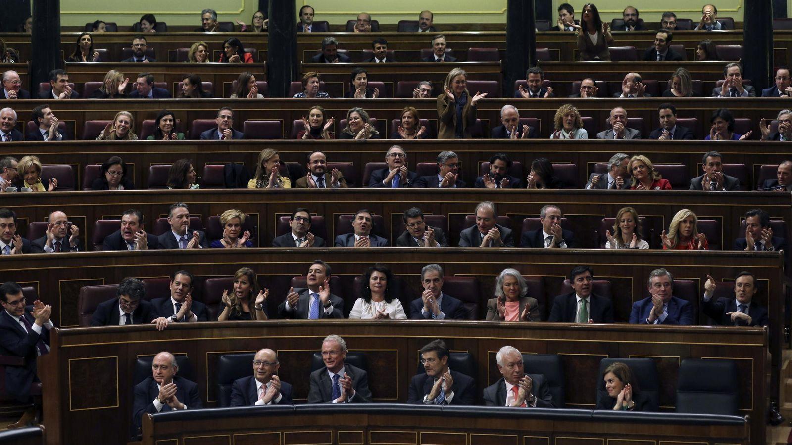 Foto: Rajoy y Sánchez matienen su primer cara a cara en el Congreso tras convocarse el 24M