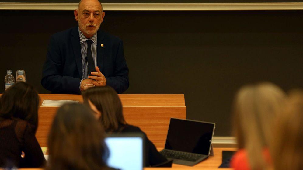 Foto: El magistrado José Manuel Maza durante una conferencia pronunciada el mismo día de su nombramiento como fiscal general del Estado. (EFE)