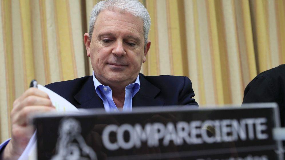 Foto: Pablo Crespo en la comisión sobre la comisión de la presunta financiación ilegal del PP. (EFE)