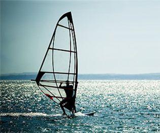 Foto: Los mejores windsurfistas del mundo se dan cita en Gerona