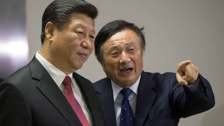 Ren Zhengfei, fundador y presidente de Huawei, junto al presidente chino Xi Jinping. (Reuters)