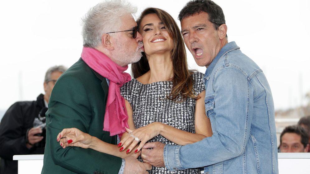 Foto: Pedro Almodóvar, Penélope Cruz y Antonio Banderas en Cannes. (Efe)
