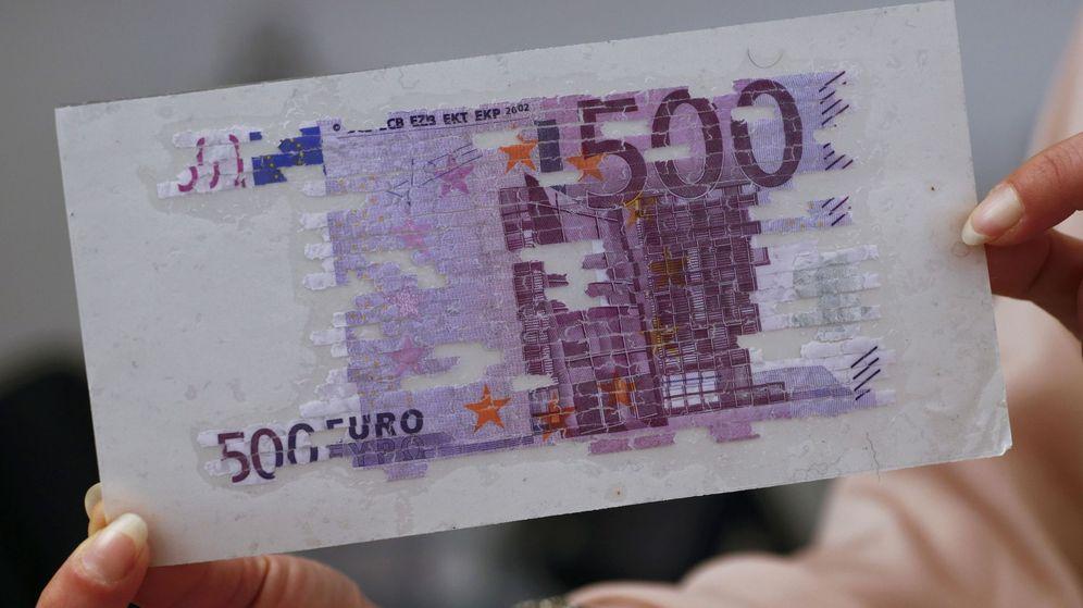 Foto: Un billete de 500 euros restaurado. (Reuters)