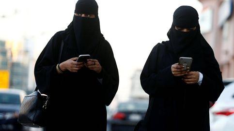 ¿Qué es la 'abaya'? La prenda de la discordia en la visita española a Riad
