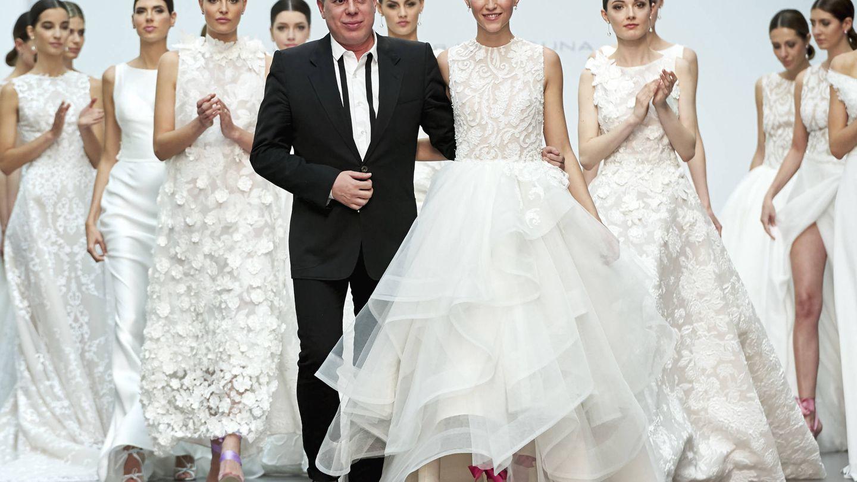 Desfile de vestidos de novia de Hannibal Laguna (Getty)