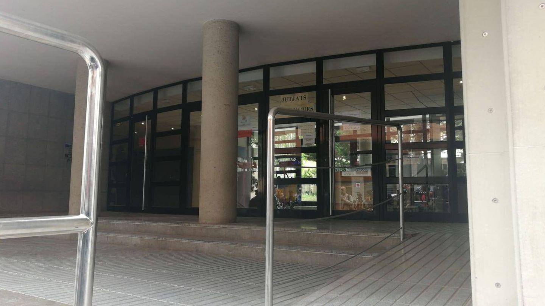 Imagen del exterior del juzgado. (Foto: S.T.)