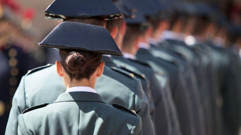 El laureado jefe de la Guardia Civil que niega medallas al resto: solo merecen las gracias
