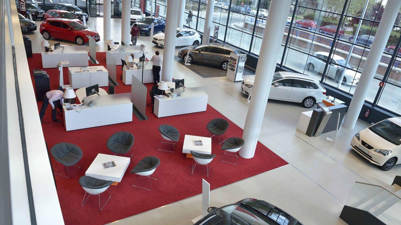 El sector del automóvil se juega una subida de impuestos de más de 1.100 millones