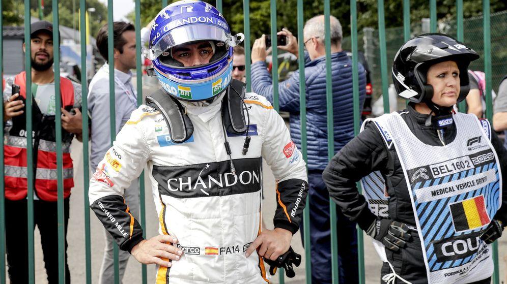 Foto: Fernando Alonso acabó muy enfadado el Gran Premio de Bélgica. (EFE)