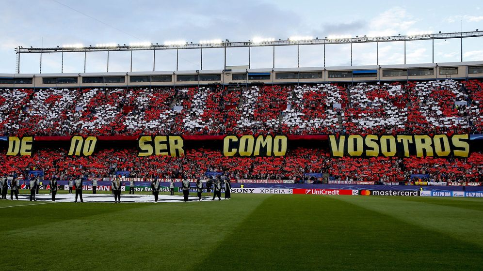 Foto: Imagen panorámica del Vicente Calderón antes del derbi de Champions. (EFE)