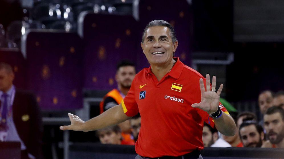 Foto: Sergio Scariolo seguirá al menos dos años más como seleccionador masculino. (EFE)