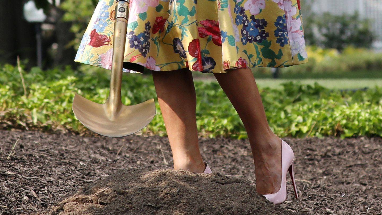 Detalle de los zapatos y su taconazo. (Reuters)