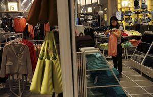 Las ventas minoristas suben un 1% en mayo, una décima menos