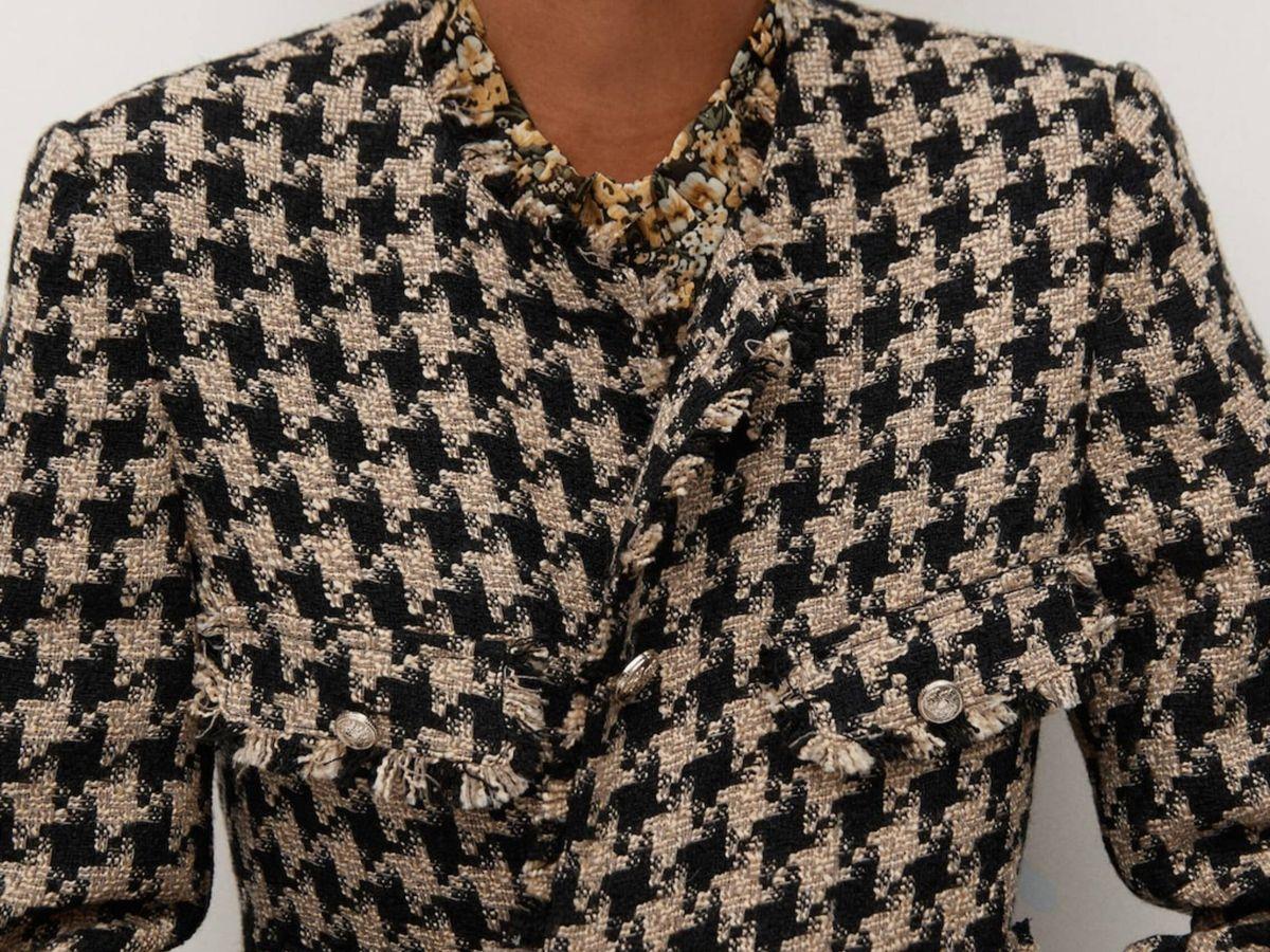 Foto: La chaqueta de tweed de Mango Outlet. (Cortesía)