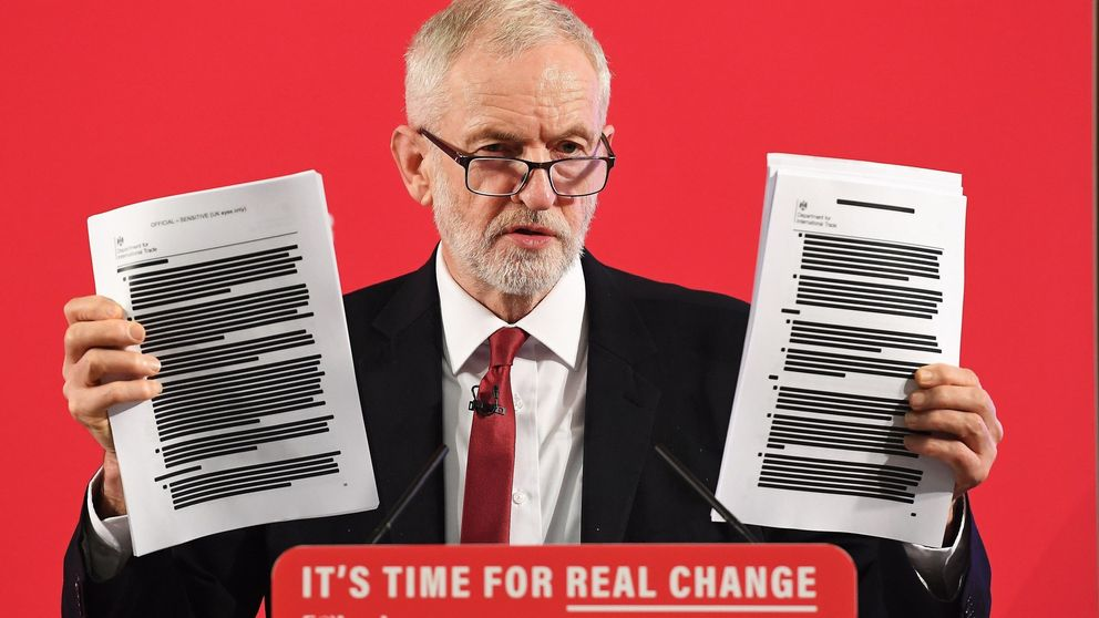 Los 451 folios secretos que agitan la campaña en UK: ¿quiere Boris privatizar la sanidad?