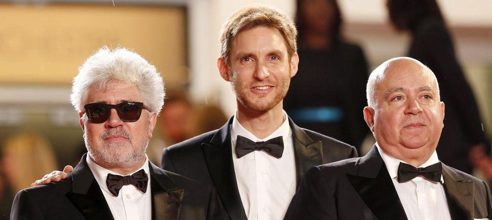 Foto: Estreno de 'Relatos salvajes' en Cannes con su director y los hermanos Almodóvar (EFE)