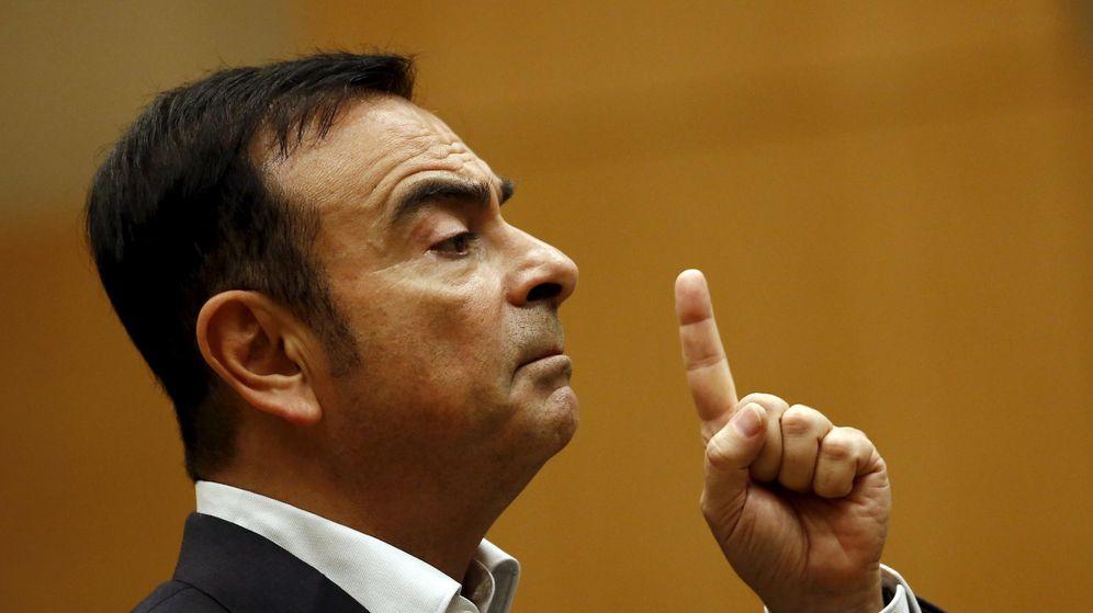 Foto: Carlos Ghosn, presidente de Renault, molesto por el comportamiento de Red Bull (Reuters)