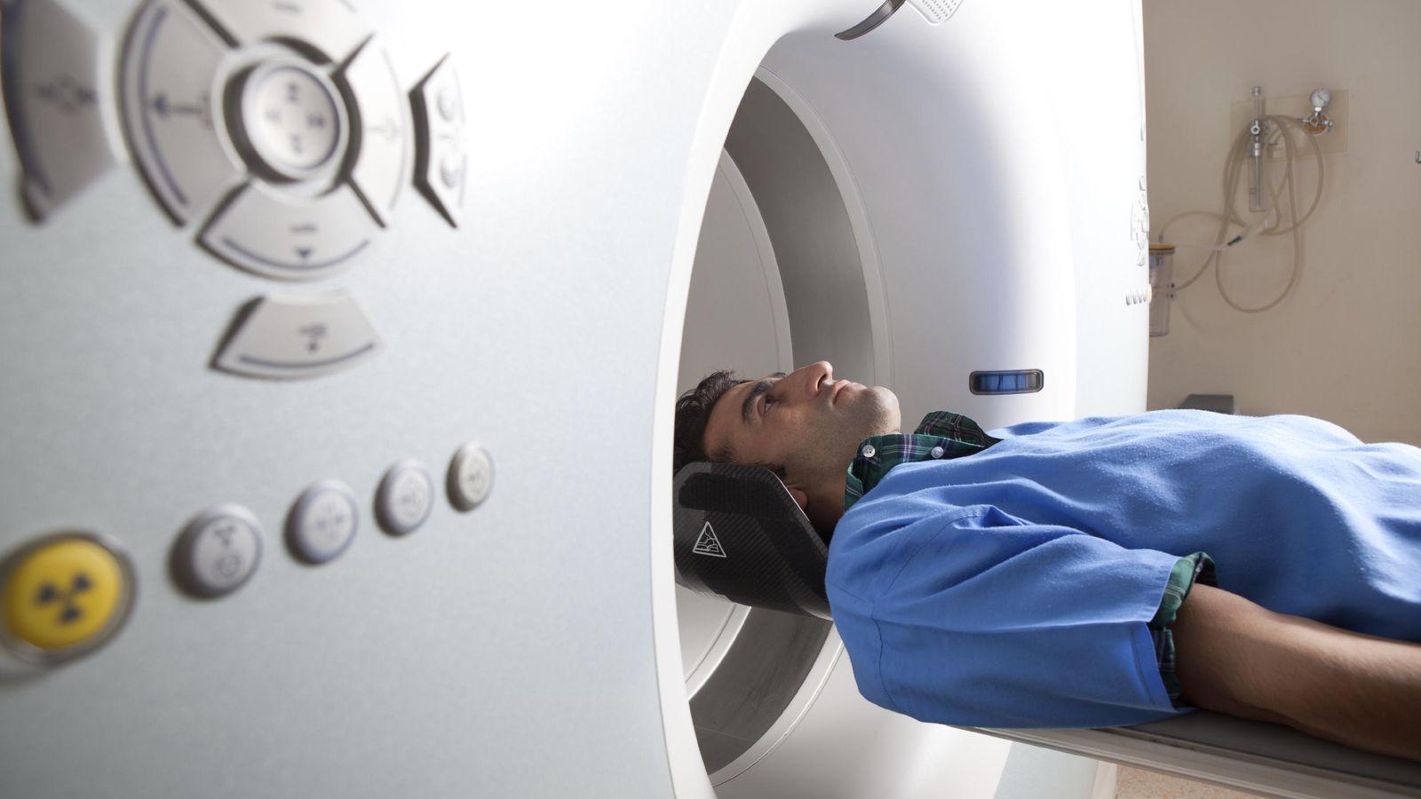 Foto: Algunos pequeños cambios en la vida no nos harán inmunes, pero sí reducirán las posibilidades de sufrir cáncer. (iStock)