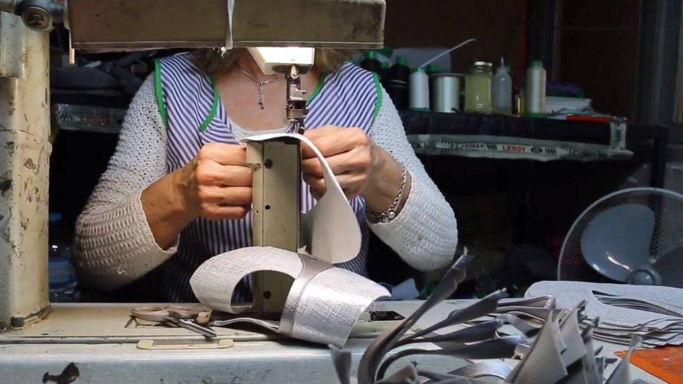 Foto: Una aparadora trabajando, en un vídeo realizado por Libros.com