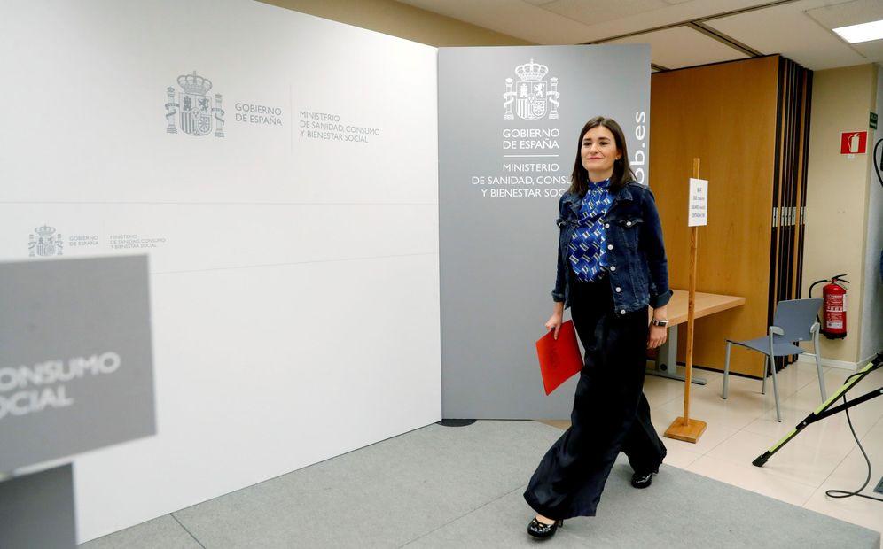 Foto: Carmen Montón, a su llegada a la rueda de prensa en que comunicó su dimisión como ministra de Sanidad. (EFE)