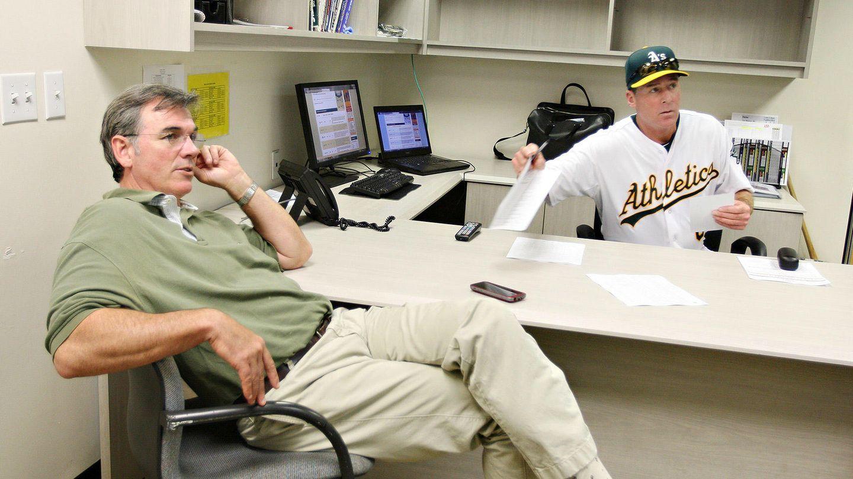 Beane y DePodesta, en una imagen de archivo. (Oakland Athletics)