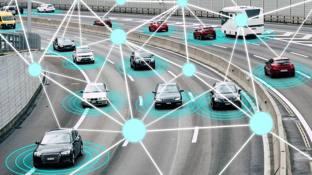 Foto: Ilustración un radar captando infracciones en la carretera. (iStock)