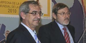 Sebastián sacrifica al presidente de Correos para estar 'solo' un año al frente de la CNE