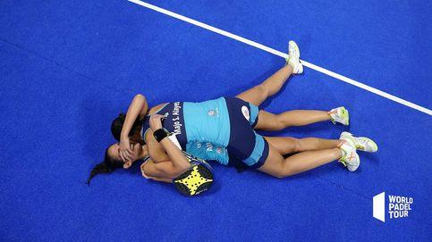 El abrazo del pádel, el abrazo de las gemelas Sánchez Alayeto