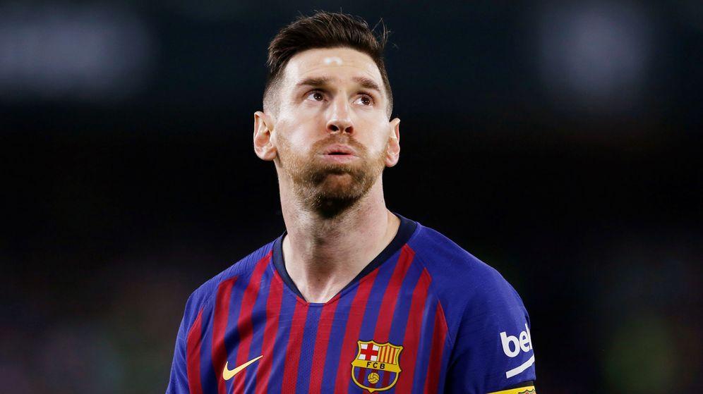 Foto: Leo Messi resopla durante un partido del Barcelona. (Efe)