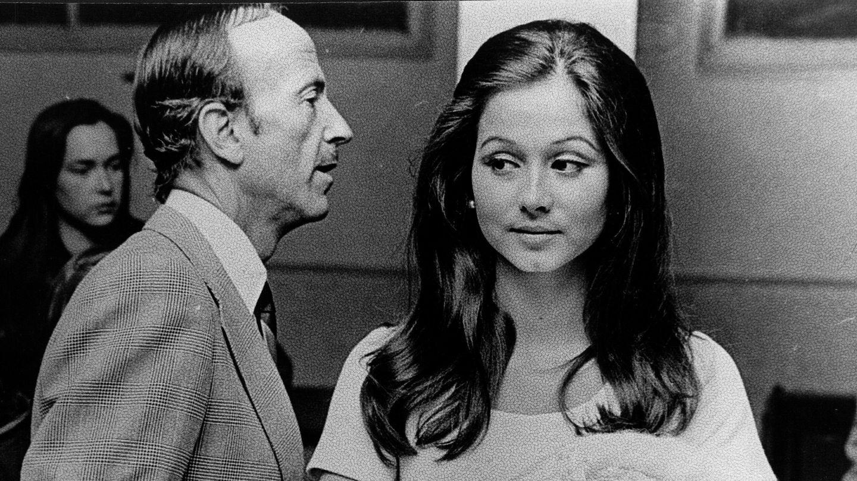 El doctor Iglesias Puga, junto a Isabel Preysler. (Gtres)