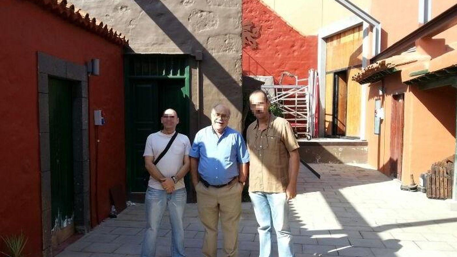 Foto: Sixto Delgado Coba, en el centro.