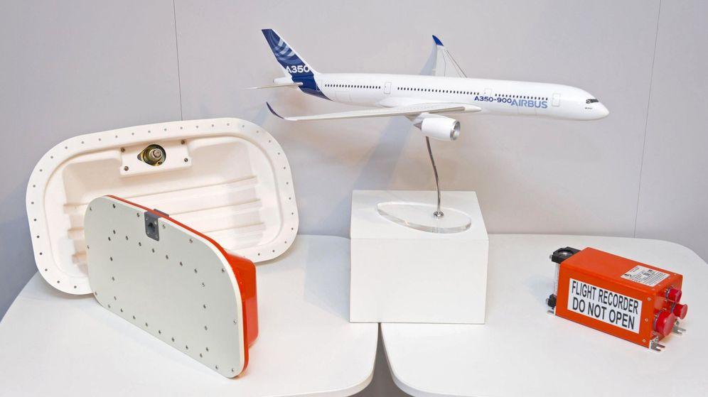 Foto: Caja negra flotante presentada por Airbus en Francia. (EFE)