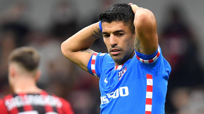 Luis Suárez se lamenta en Milán. (Reuters)