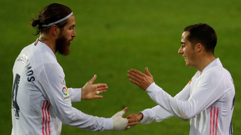 Sergio Ramos y Lucas Vázquez celebran un gol. (EFE)