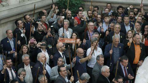 Doscientos alcaldes independentistas viajan a Bruselas para explicar la situación catalana