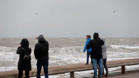 Valencia y Murcia viven el peor temporal de viento y lluvia en un mes de abril en 50 años